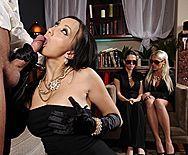 Горячей секс со жгучей молоденькой азиаткой - 2
