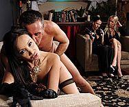 Горячей секс со жгучей молоденькой азиаткой - 4