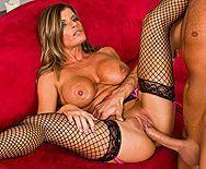 Горячий секс с привлекательной женщиной с большими сиськами в чулках - 5