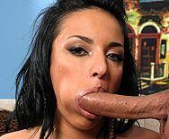 Вагинальный секс с длинноногой пышногрудой брюнеткой - 2
