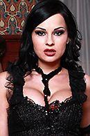 Жесткий секс с привлекательной брюнеткой в эротическом белье #1