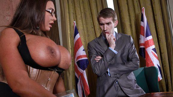 Порно политика со шлюхой в эротическом белье с огромными сиськами