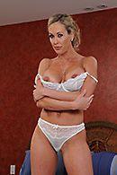 Нежный секс массажиста со взрослой блондинкой после массажа #1