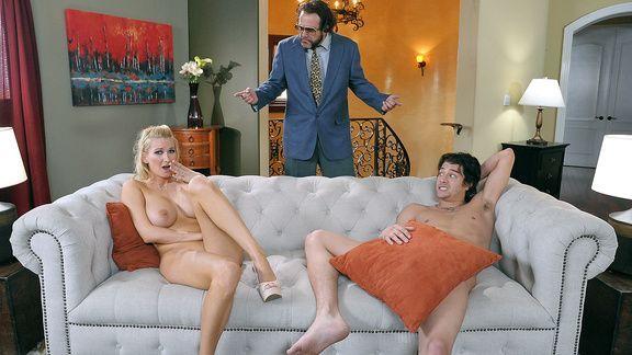 Смотреть секс парня с сексуальной женой босса