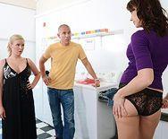 Анальный секс с проказницей с пышной задницей - 1