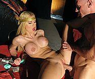 Порно с очень сексуальной и возбуждающей молодой блондинкой - 3
