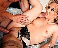 Вагинальный секс с худенькой блондинкой в чулках - 3