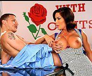 Смотреть классное вагинальное порно с пошлой девкой брюнеткой на телешоу - 1