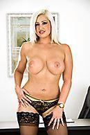 Смотреть горячей секс на работе с очаровательной блондинкой #3