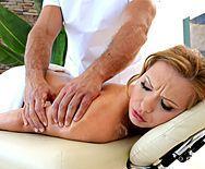 Анал нежного массажиста с сексуальной блондинкой - 1