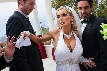Смотреть секс красивой пышногрудой невесты перед свадьбой