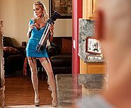 Смотреть аматорский секс с горячей блондинкой с большими сиськами - 1