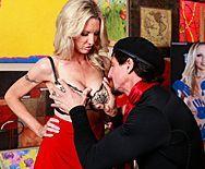 Смотреть секс с женщиной с огромными сиськами - 1