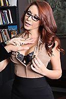 Смотреть горячее порно с офисе с сексуальной рыженькой секретаршей #5