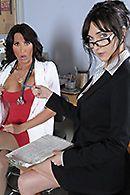 Смотреть порно ненасытной докторши с пациентом #4