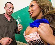 Секс препода с загорелой блондинкой в чулках - 1