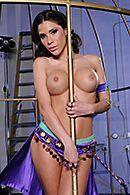 Смотреть нежный анальный секс с пошлой молодой брюнеткой #4