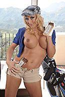 Порно в пизду зрелой блондинки с большими сиськами #3