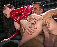 Жаркий секс в клубе с девушкой в кожаной куртке - 5