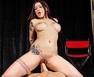 Порно с пышногрудой привлекательной проституткой - 4