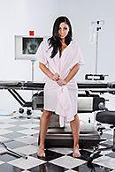 Горячий секс доктора с сексуальной стройной пациенткой #1