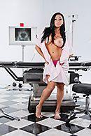 Горячий секс доктора с сексуальной стройной пациенткой #2