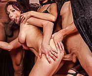 Смотреть групповой секс рыженькой бестии с тремя парнями - 3