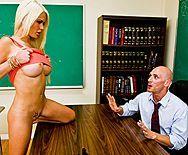Порно распутной школьницы с учителем - 1