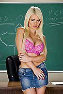 Порно распутной школьницы с учителем #3