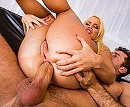 Смотреть анальное порно пышнозадой потрясной блондинки с любовником - 3