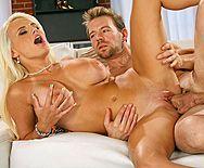 Смотреть секс с красивой загорелой блондинкой - 5