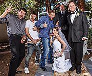 Рыжая невеста отдалась толпе парней - 1