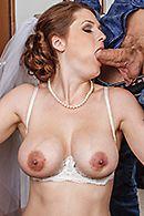 Групповое порно с рыжей невестой #4