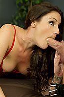 Красивый секс зрелой брюнетки с маленькими сиськами #3