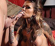 Смотреть страстный секс с красоткой в татуировках - 2