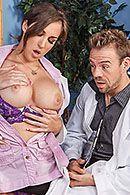Бурный секс завуча с молодой химичкой с упругими сиськами #1