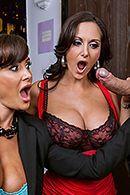 Смотреть групповой анальный секс со зрелыми красотками #2