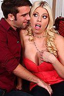 Секс потрясающей блондинки с молодым любовником #2