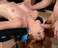 Порно рыженькой потаскушки с массажистом в костюме Санты - 2