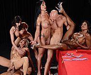 Групповое порно с четырьмя сексуальными красотками - 3