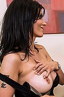Жгучая брюнетка в чулках наслаждается анальным сексом #2