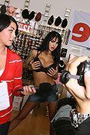 Смотреть аматорское порно с стройной латинкой с огромными сиськами #2