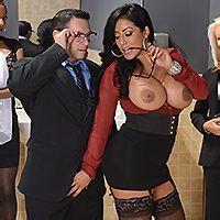 Вагинальный секс с пышной латинкой в офисе
