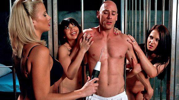 Смотреть порно заключенного с горячей медсестрой
