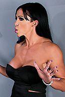 Групповое порно с опытной сексуальной брюнеткой #2