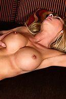 Порно с аппетитной зрелой мамашкой #4