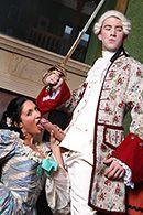 Порно принца с горячей брюнеткой в белых чулках #2