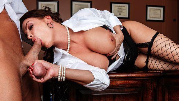 Анальный секс с секретаршей в институте