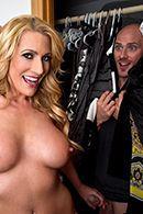 Смотреть порно горячей блондинки с любовником #2