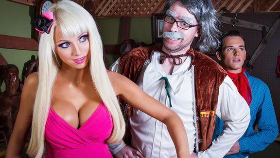 Красивый нежный секс с гламурной молодой блондинкой